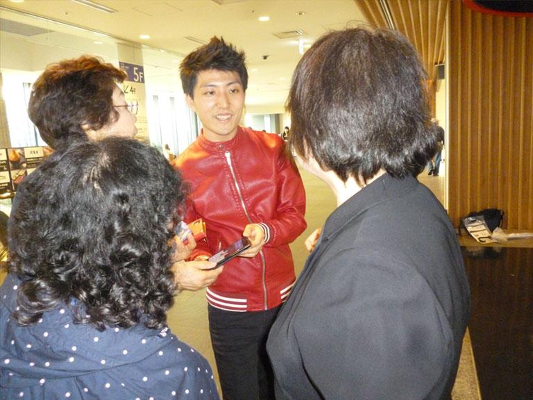 「山内惠介特集」放送記念 秘蔵ラジオ番組公開&衣装展開催その5
